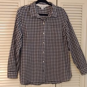 Old Navy Ladies Button Down Classic Shirt